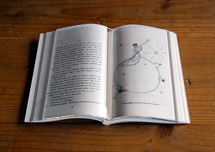 transparent-book-on-book-weight-holder-pages-acrylic-tent-2