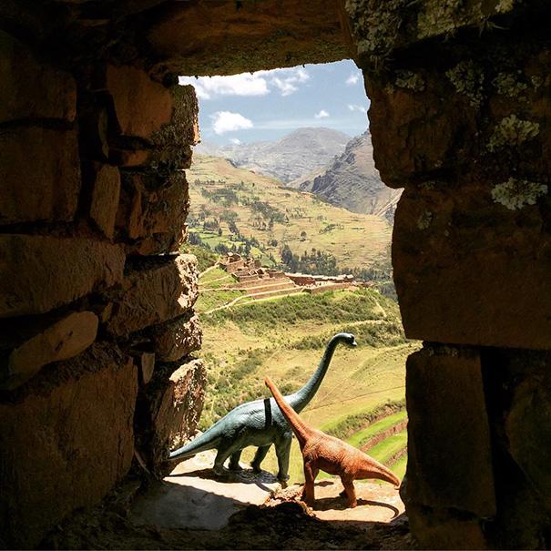 travel-photography-dinosaur-toys-dinodinaseries-jorge-saenz-123