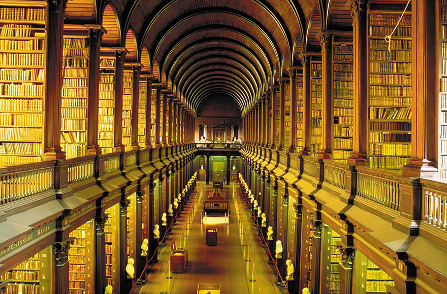 trinity-college-long-room-library-dublin-4