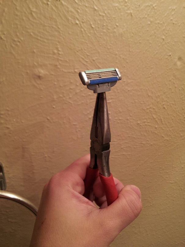 My Razor Broke About 5 Days Ago. Still Too Lazy To Go Get A New One