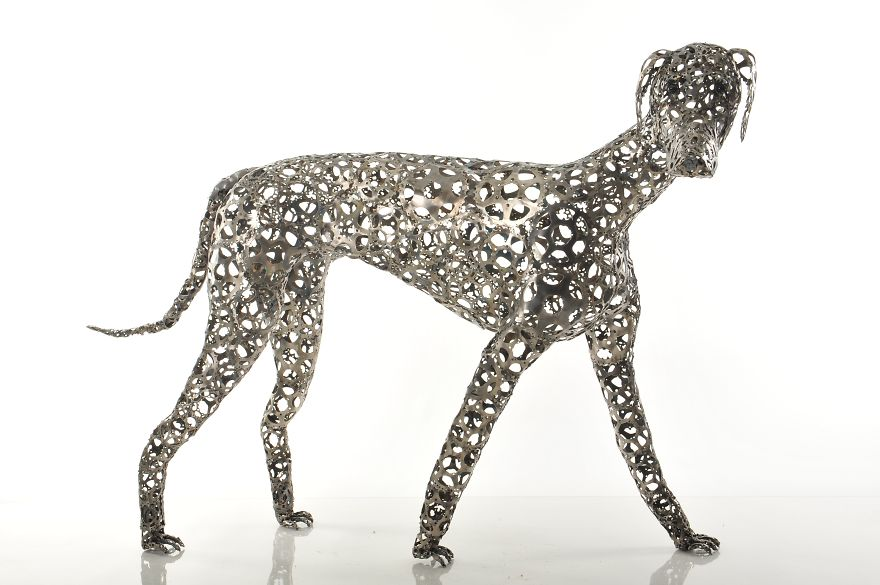 Unchained: I Create Dog Sculptures From Recycled Bicycle Chains