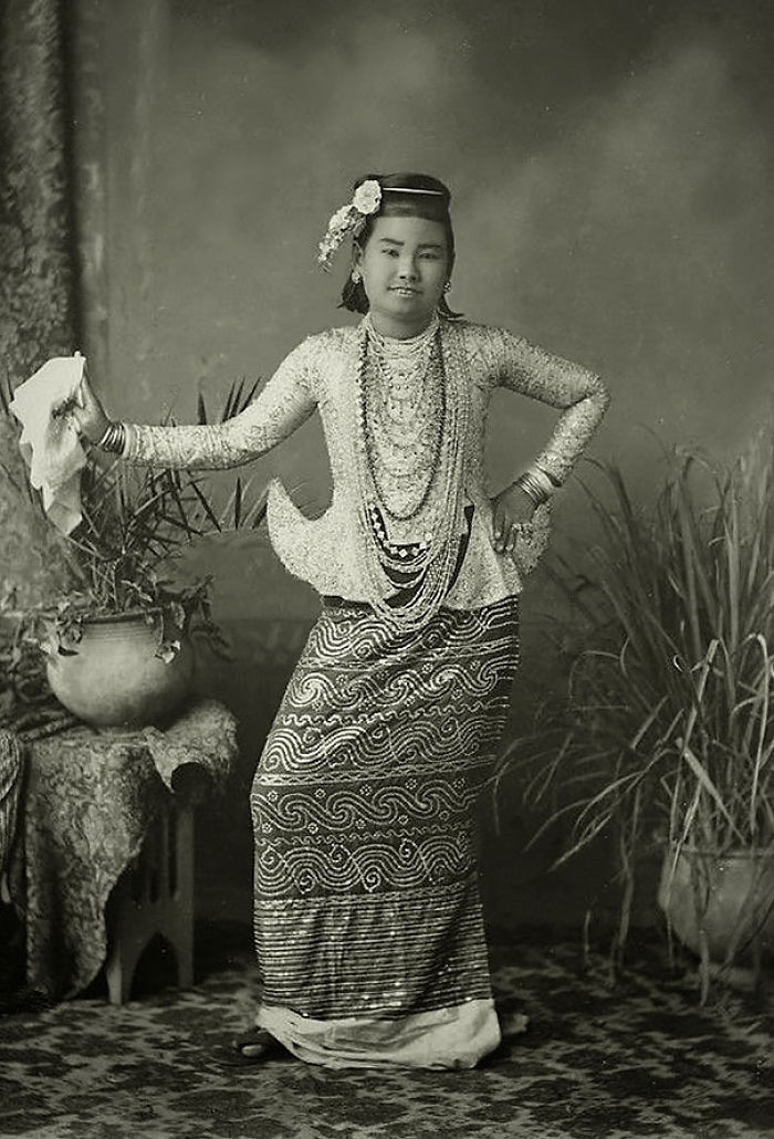 Burmese Dancing Girl