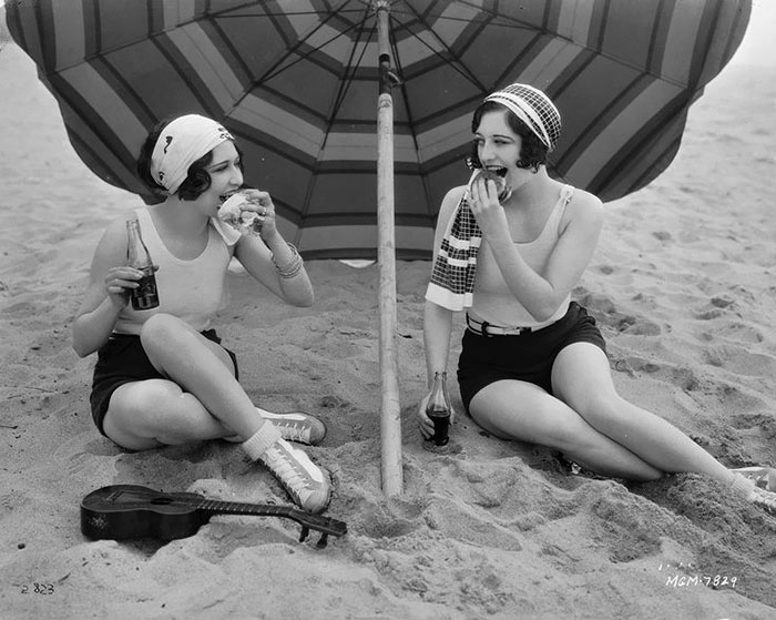 American Actresses Joan Crawford And  Dorothy Sebastian Enjoys A Picnic On The Beach, 1927