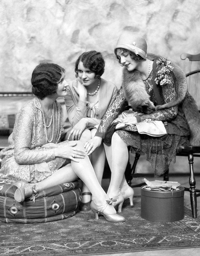 Three Well Dressed Women 1920s Bored Panda