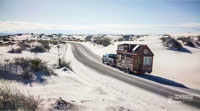 3. Fahrendes Haus Von Jenna Und Guillaume (https://www.boredpanda.com/tiny-house-giant-journey-mobile-home-jenna-gui…)