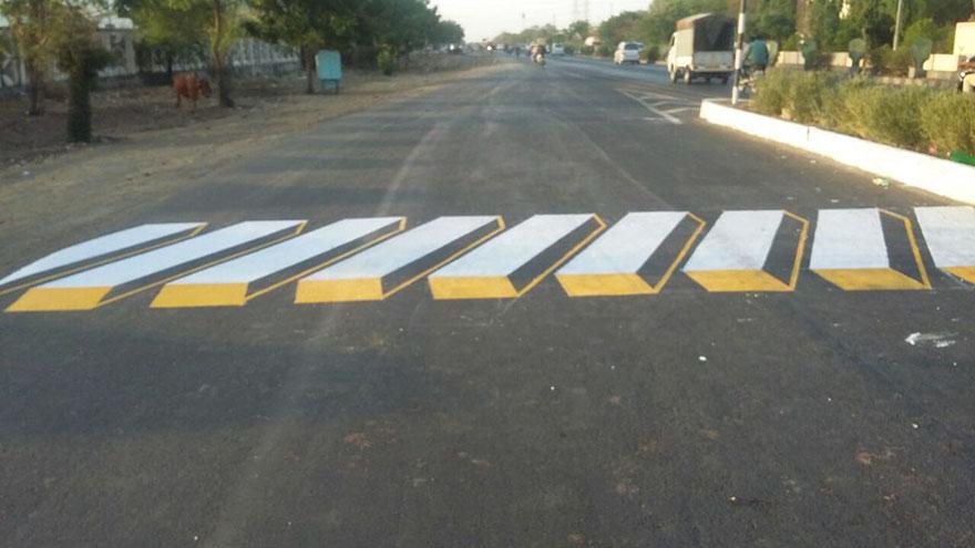 3d-street-art-prevent-speed-breakers-india-1