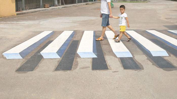 India To Use 3D Paintings As Speed Breakers To Slow Down Dangerous Drivers