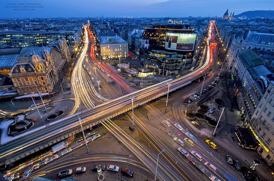 Homem arrisca sua vida por 6 anos subindo em lugares altos para fotografar sua terra natal de Budapeste