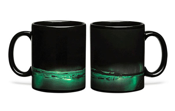 aurora-borealis-heat-changing-coffee-mug-1