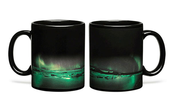 aurora-borealis-heat-changing-coffee-mug-2