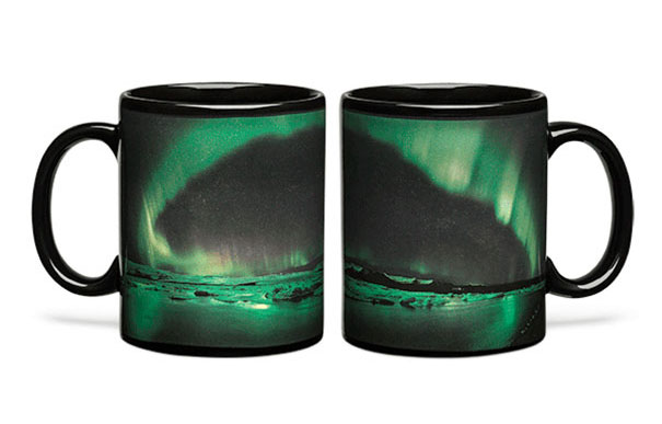 aurora-borealis-heat-changing-coffee-mug-3