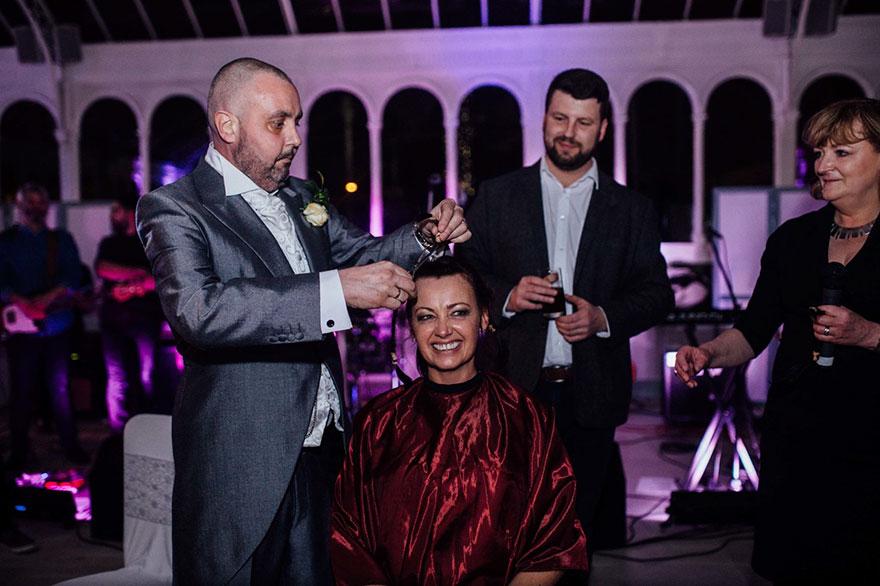 bride-shaves-hair-cancer-terminally-ill-husband-craig-joan-lyons-15