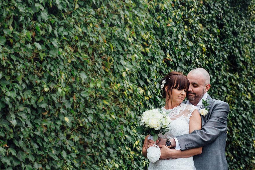bride-shaves-hair-cancer-terminally-ill-husband-craig-joan-lyons-3