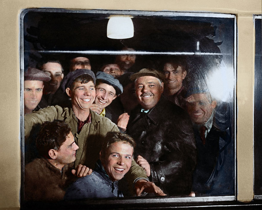 The First Passengers Of The Moscow Metro, 1935