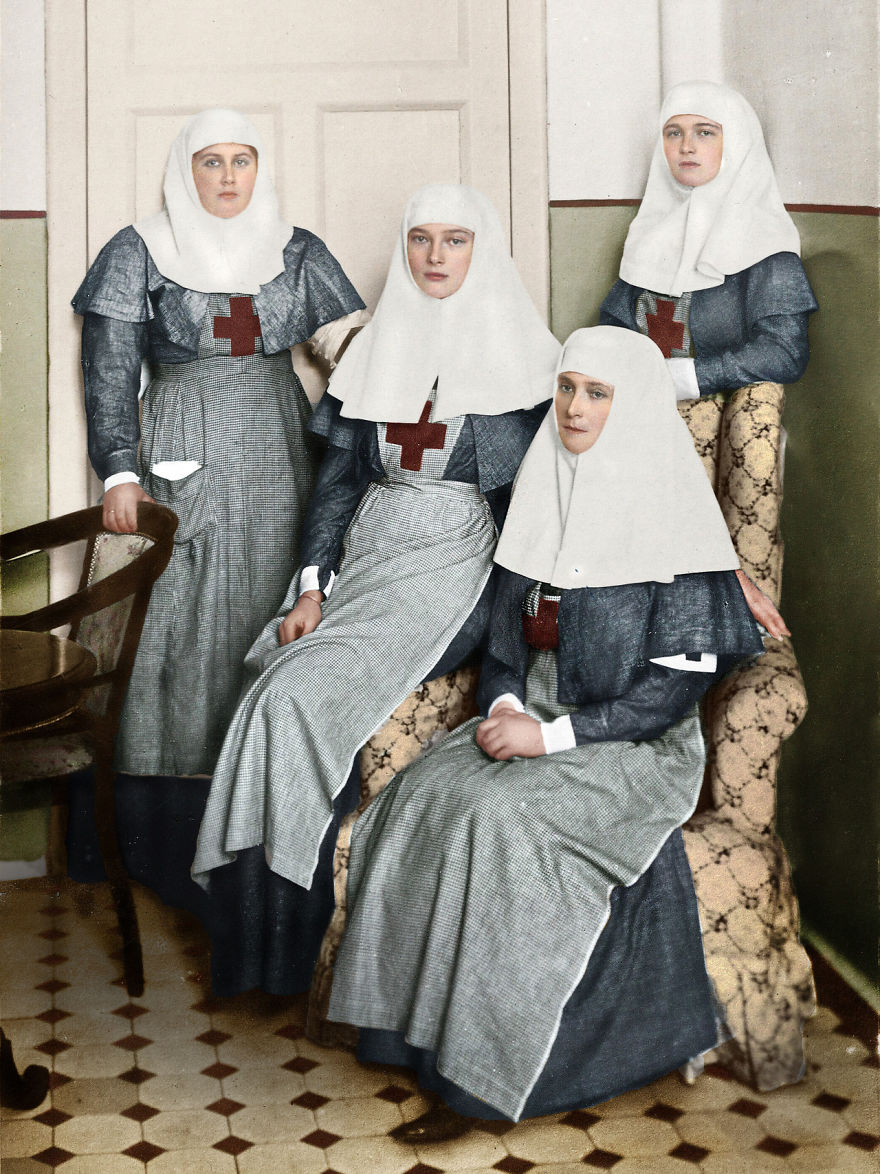 Romanov Sisters And Their Mother Tsarina Alexandra Working In A Military Hospital During Worl War I