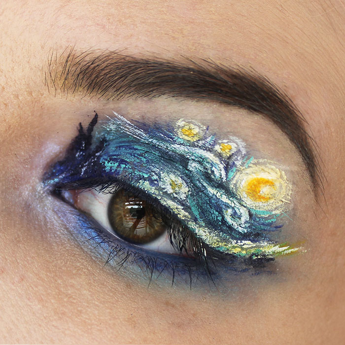 Makeup For Ants: I Create Tiny Paintings On My Eyes