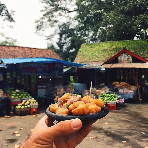 Tahu Gejrot, Indonesia