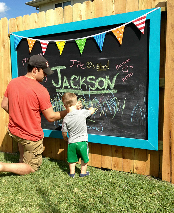 Blackboard Fence Decor