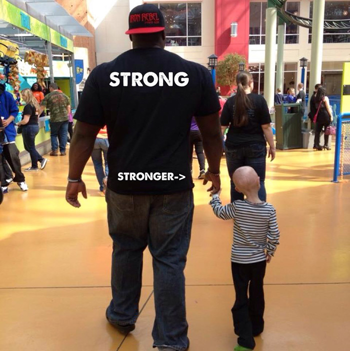 """12-Year-Old Girl Fighting Rare Aging Disease Becomes Best Friends With 330Lbs Weightlifter A.K.A """"The Beast"""""""