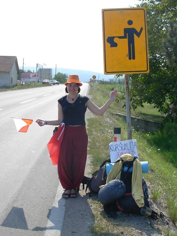 So That's How You Should Hitchhike!