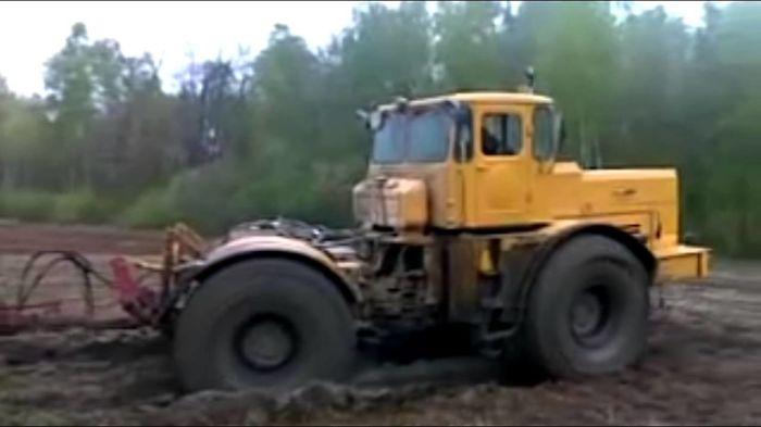 K-700 Kirovec – Super Bog Monster