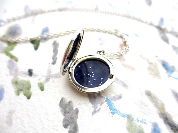 miniature-astromony-oil-painting-jewelry-rustic-lockets-khara-ledonne-11