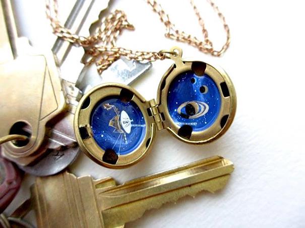 miniature-astromony-oil-painting-jewelry-rustic-lockets-khara-ledonne-26