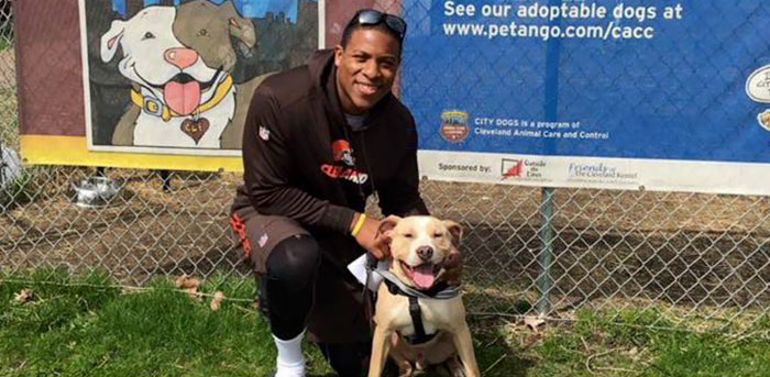 nfl-player-adopts-pit-bull-smiling-dog-selfie-declan-terrell-watson-5