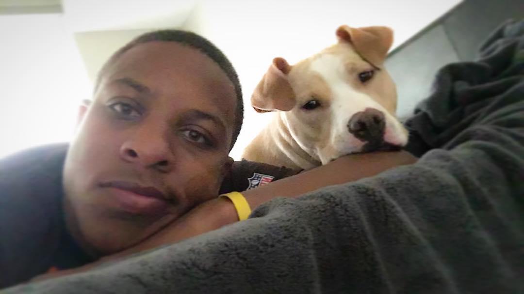 nfl-player-adopts-pit-bull-smiling-dog-selfie-declan-terrell-watson-8
