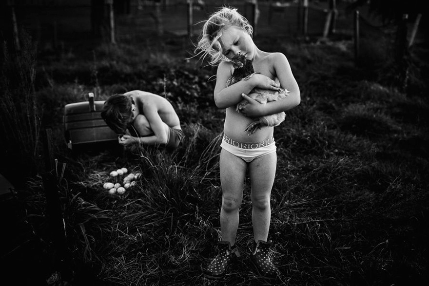 raw-childhood-without-electronic-devices-niki-boon-new-zealand-14