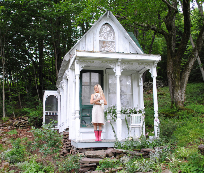 Women Are Creating She-Sheds, A Female Alternative To Man Caves (66 Pics)