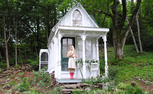 Women Are Creating She-Sheds, A Female Alternative To Man Caves (15+ Pics)