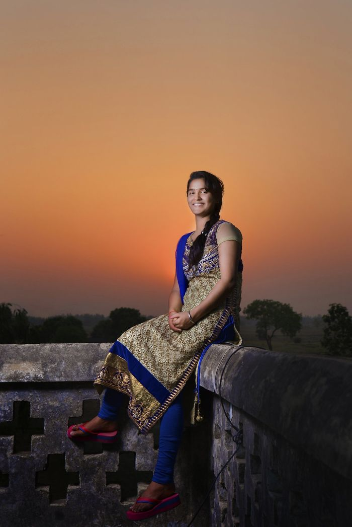 I Spent 1 Month In Villages Of Uttar Pradesh, India And Shoot Allure Of Rural Girls.