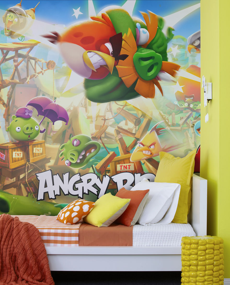 Angry birds will invade your wall soon bored panda for Angry birds wall mural