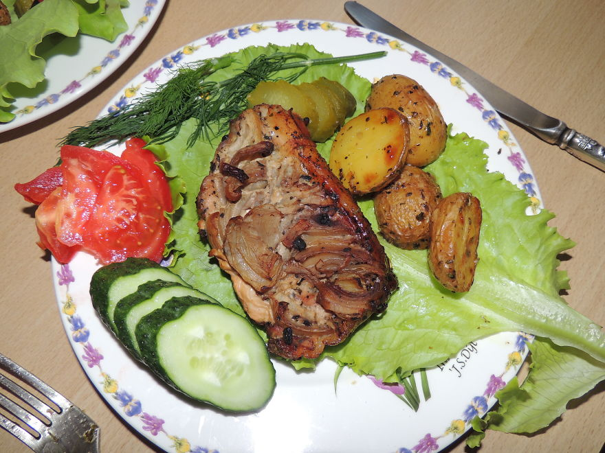 Grilled Chicken And Potatoes With Tomato And Cucumber Salad Recipes ...