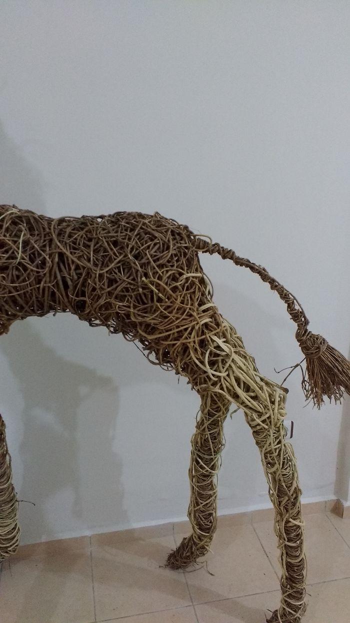 Largest Display Ivy Giraffe In Art History