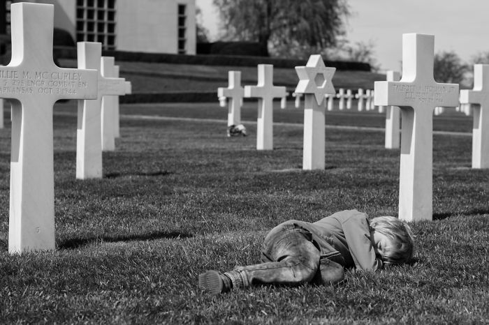 Me And My 5-Year-Old Visited The Military Cemetery In Belgium