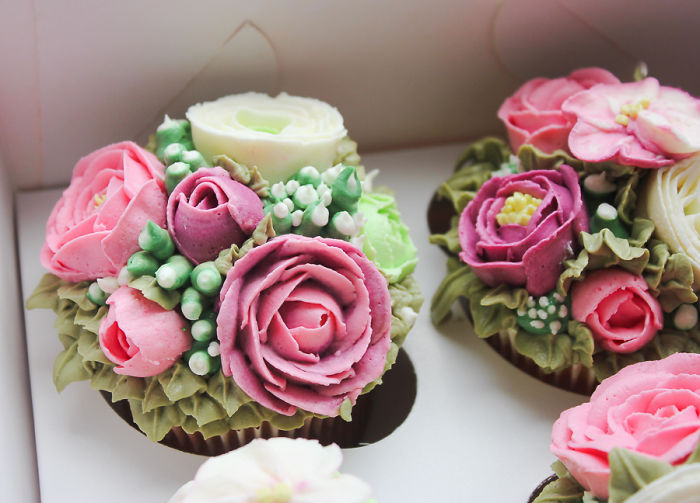 My Hand-Crafted Flower Cupcakes