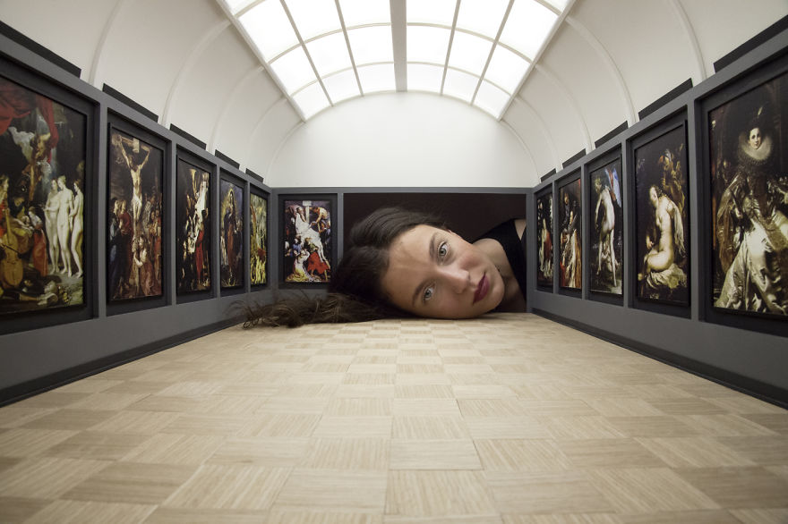 People Put Their Heads Inside Miniature Galleries To Become Famous Art Exhibits Themselves