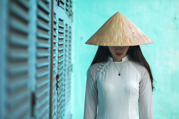 Photographer Rehahn Celebrates The Beauty Of Vietnam With Ao Dai Photo Collection