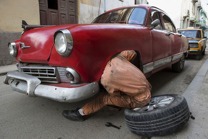 My Photo Story About Car Reparation In The Streets Of Havana