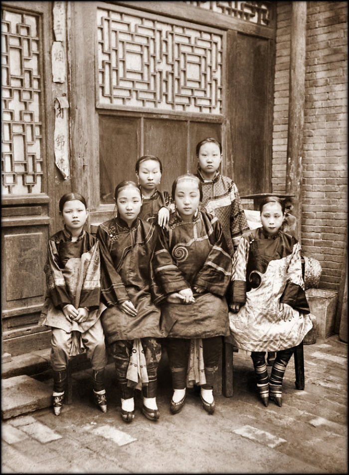 Amazing Old Restored Photos Of China