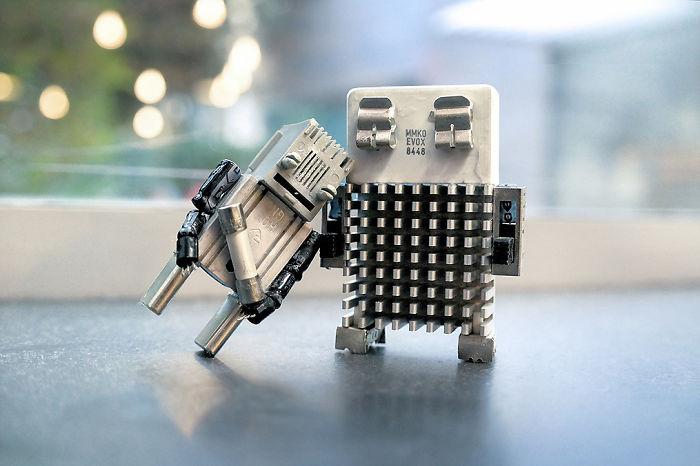 I Turn Electronic Waste Into Tiny Robots