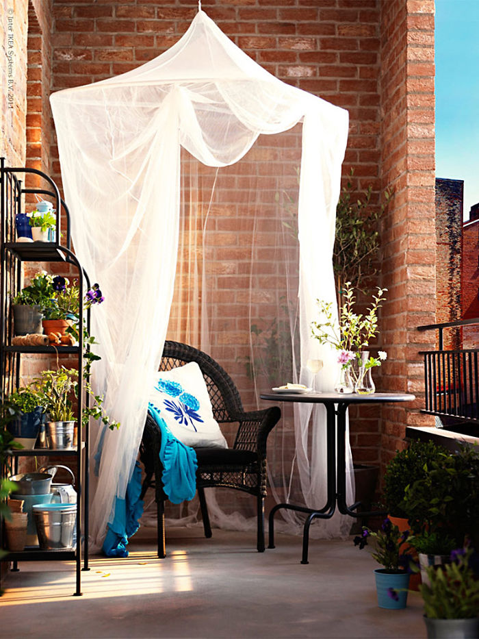20 cozy balcony decorating ideas bored panda for Balconies or balconies