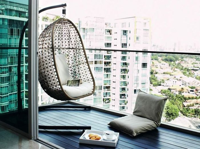 20 cozy balcony decorating ideas bored panda for Best house balcony design