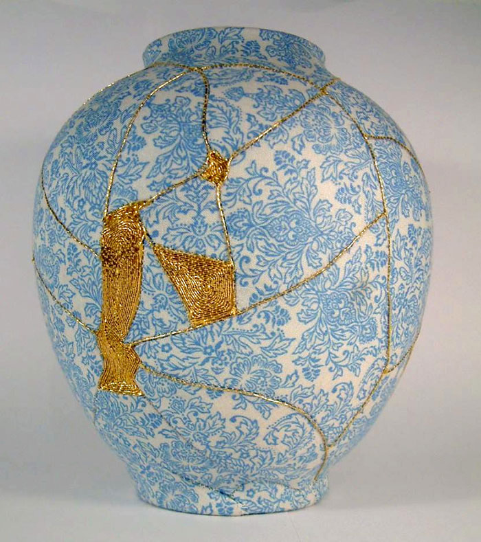 broken-vase-restoration-gold-thread-charlotte-bailey-1b