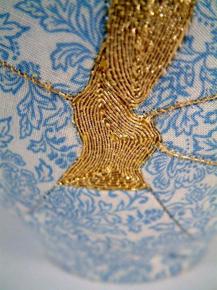 broken-vase-restoration-gold-thread-charlotte-bailey-4a