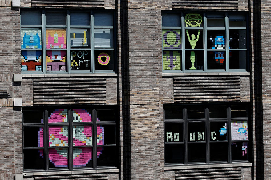 building-post-it-war-notes-nyc-manhattan-27