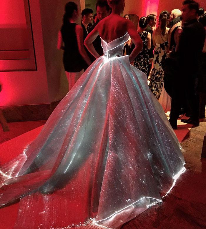 claire-danes-cinderella-glowing-dress-gown-met-gala-zac-posen-12