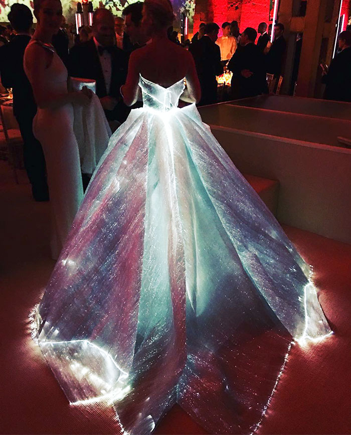 Glowing Dress Turns Claire Danes Into Cinderella At The Met Gala ...